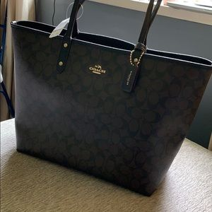 Coach purse (tote)